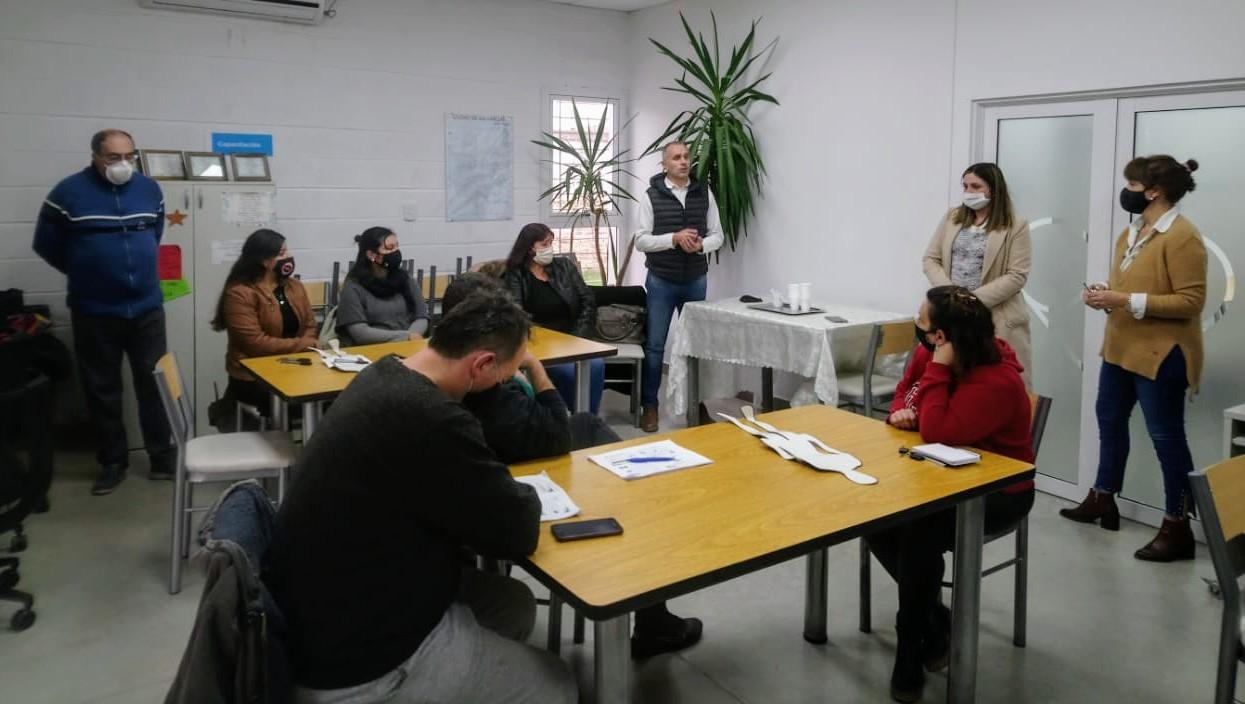 CON BUENA ADHESIÓN, DICTAMOS EL CURSO DE MANIPULADORES DE ALIMENTOS