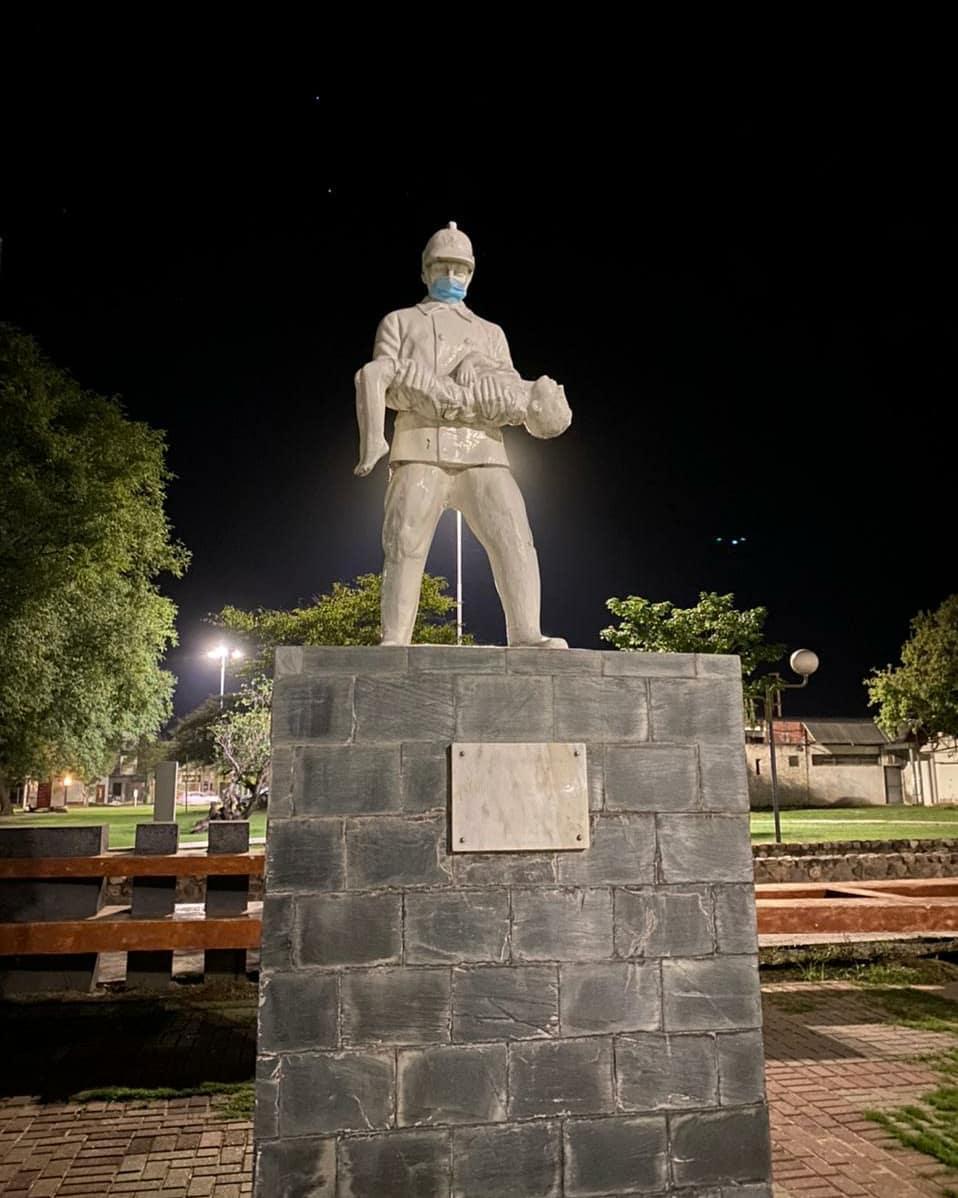 INTERVENCIÓN EN MONUMENTOS PARA CONCIENTIZAR SOBRE EL USO DEL BARBIJO